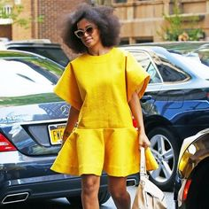 Solange Knowles isn't scared to push the envelope in regards to fashion. Flawless photo-taker Solange Knowles has an exact particular aesthetic, which explains why she's so choosy in re… African Print Dresses, African Fashion Dresses, African Dress, African Attire, African Wear, Moda Junior, Solange Knowles, Ankara Styles, Spring Dresses