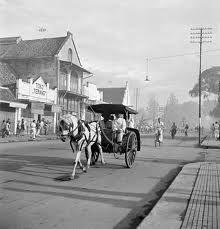 Bezoek het nationaal museum voor fotografie in Rotterdam. Het museum is geopend van dinsdag tot en met zondag. Old Pictures, Old Photos, Java, Dutch East Indies, History Photos, Yogyakarta, Antique Maps, Historical Pictures, Vintage Photographs
