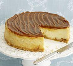 Aneta Goes Yummi: Karamelový cheesecake s bielou čokoládou (takto nejako asi… Bbc Good Food Recipes, Sweet Recipes, Yummy Food, Popular Recipes, Toffee Cheesecake, Cheesecake Recipes, No Bake Desserts, Dessert Recipes, Yummy Treats
