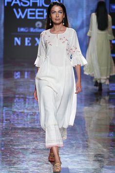 Buy Chikan Kamdani Kurta Set by House of Kotwara at Aza Fashions Dress Indian Style, Indian Dresses, Indian Wear, Latest Outfits, Fashion Outfits, Indian Fashion Trends, Thing 1, Lakme Fashion Week, White Embroidery