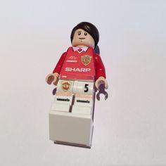 Ronny Johnson - Manchester United 1999 Treble Champions created in custom Lego art.