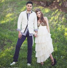 Dominic Briones and Daniele Donato tied the knot at Newland House Museum in Huntington Beach. beautiful boho wedding.