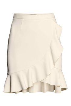 H&M Ruffle Skirt in Natural White Frill Skirts, Cute Skirts, Ruffle Skirt, Dress Skirt, Mini Skirts, Ruffle Trim, Ruffles, Cardigans For Women, Fashion Outfits