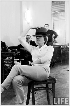Julie Andrews being classy. As usual.