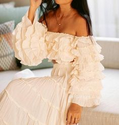 Ruffle Sleeve Dress, Ruffle Blouse, Ruffle Top, Ruffles, Gypsy Dresses, Nice Dresses, Boho Wedding Dress, Boho Dress, Types Of Sleeves