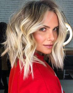 Adorable Medium Blonde Hair Trends for 2020 Medium Blonde Hair, Medium Hair Cuts, Medium Hair Styles, Long Hair Styles, Hairstyles Haircuts, Hair Trends, Your Hair, Instagram, Beauty
