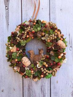 Thanksgiving Crafts, Fall Crafts, Autumn Wreaths, Christmas Wreaths, Hedgehog Craft, Halloween Cookies, Fall Diy, How To Make Wreaths, Creative Crafts