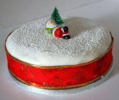 The world's best christmas cake … Christmas Cake Decorations, Christmas Party Food, Christmas Sweets, Holiday Cakes, Xmas, Christmas Glitter, Christmas Time, Beautiful Cakes, Amazing Cakes