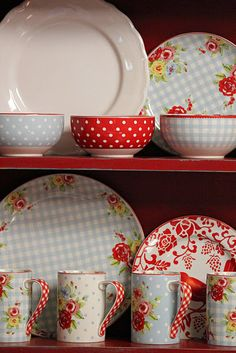 Love Red and Blue dishes