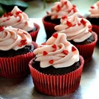 Looking for a healthy cupcake recipe? You are in luck. Try my newly perfected low-fat, low-calorie cupcake recipe.