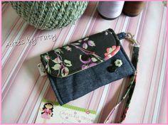 Carteira Em Tecido Com Ziper http://www.elo7.com.br/carteira-em-tecido-com-ziper/dp/37656D