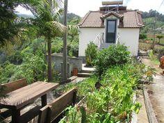 Je vends une jolie petite maison sur l'ile de Madere climat tempéré toute l'…
