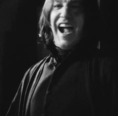 Severus Snape can smile! Severus Hermione, Professor Severus Snape, Snape Harry, Severus Rogue, Harry James Potter, Harry Potter Cast, Harry Potter Movies, Harry Potter World, Hermione Granger