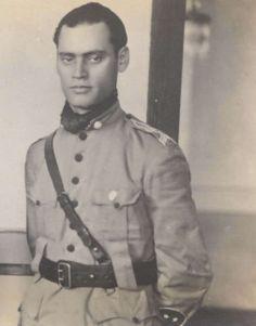 Juarez Távora (Jaguaribemirim, Ceará 14 de janeiro de 1898 — Rio de Janeiro, 18 de julho de 1975) foi um militar e político brasileiro. Em 1954 foi um dos líderes da articulação política que resultou no suicídio de Vargas, no ano seguinte candidatou-se a presidência da República pelo PDC (apoiado pela UDN), perdendo nas eleições para Juscelino Kubitschek.