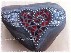 . Mosaic Crafts, Mosaic Projects, Mosaic Ideas, Mosaic Patterns, Craft Projects, Craft Ideas, Mosaic Rocks, Stone Mosaic, Mosaic Glass