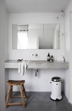 Ideas For Bath Room White Gray Interiors French Home Decor, Cute Home Decor, Home Decor Items, Concrete Bathroom, Concrete Floor, Cheap Wall Decor, Interior Desing, Interior Ideas, Living Room Remodel