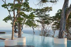 Hotel Encanto - Acapulco, México. / Proyecto del arquitecto Miguel Ángel Aragonés.