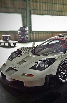 Visit The MACHINE Shop Café... (Best of McLaren @ MACHINE) The McLaren F1 | GT Supercar