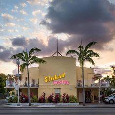 """Sinbad Motel er vurdert som """"Enestående"""" av våre gjester. Ta en titt på bilder, les anmeldelser fra tidligere gjester og bestill hotell med vår prismatch. Vi vil også fortelle deg om hemmelige tilbud og salg når du registrerer deg for å motta våre e-poster."""