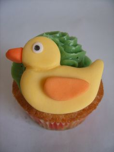 Easter duck cupcake