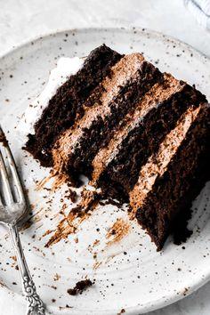 Chocolate Cake Frosting, Chocolate Mousse Cake, Dark Chocolate Cakes, Chocolate Shavings, Chocolate Cream, Melting Chocolate, Chocolate Desserts, Sweet Recipes, Cake Recipes