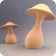Duo de champignons en bois tourné