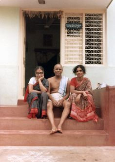 Mysore Ashtanga Yoga - the early days  Guruji Amah and a young Saraswathi