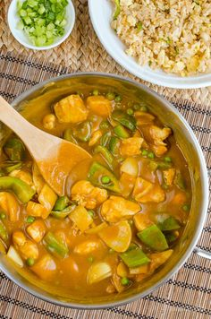 Syn Free Chinese Chicken Curry | Slimming World Recipes Slimming World Fakeaway, Slimming World Dinners, Slimming World Recipes Syn Free, Slimming Eats, Healthy Pasta Recipes, Healthy Pastas, Vegetarian Recipes, Chicken Recipes, Chinese Curry Recipe