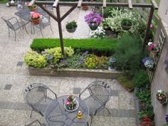 onze tuin is nu klaar hoop op mooi weer