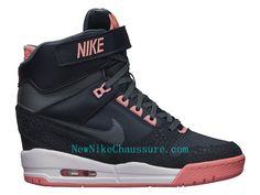 best sneakers 97414 6cc84 Nike WMNS Révolution Sky Salut