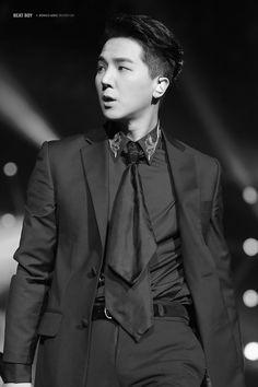 2015: Song Mino WINNER (위너) QQ Music Awards
