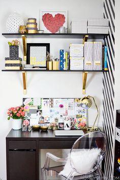 20 Wonderful DIY Desk Ideas For Best Home Decoration – Home Office Design Diy Home Office Space, Home Office Design, Small Office, Diy Casa, Office Wall Decor, Desk Organization, Desk Storage, Office Storage, Storage Boxes