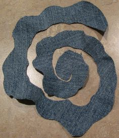 How to make flowers out of denim? 2019 Цветы из джинсовой ткани The post How to make flowers out of denim? 2019 appeared first on Denim Diy. Denim Flowers, Cloth Flowers, Burlap Flowers, Felt Flowers, Fabric Flowers, Fabric Flower Headbands, Bouquet Flowers, Paper Flowers, Beautiful Flowers
