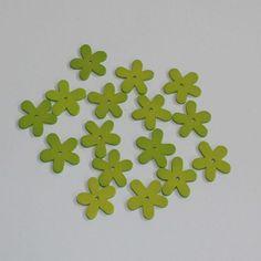 Limegrønne træblomster til bordpynt. Fås også i andre farver.  Find dem her http://www.mystone.dk/butik/pynteting/traeblomster-oe3-cm-groen-16-stk/
