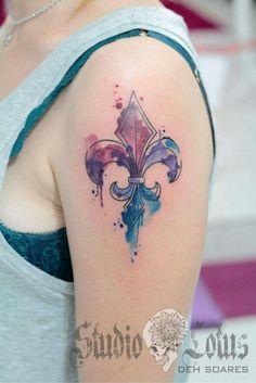 Flor de lis. Aquarela e tattoo por Deh.