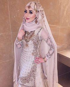 Bridal Hijab Styles, Pakistani Wedding Outfits, Muslim Brides, Pakistani Wedding Dresses, Bridal Dresses, Muslim Couples, Dress Wedding, Hijab Style Dress, Dress Up