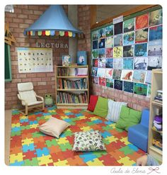 This looks so fun and comfy! Reading Corner Classroom, Classroom Setting, Classroom Setup, Classroom Design, Future Classroom, Preschool Library, Preschool Classroom, Library Center, Home Daycare