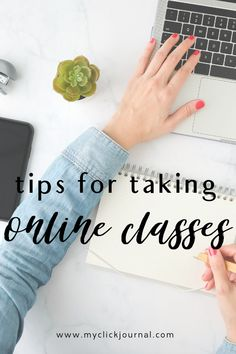 Here is my guide how to ace online classes in college, with study tips as an online student! These online class tips are perfect for all students, if it's high school, online classes, or college and university. #onlineclass #studytips #timemanagement