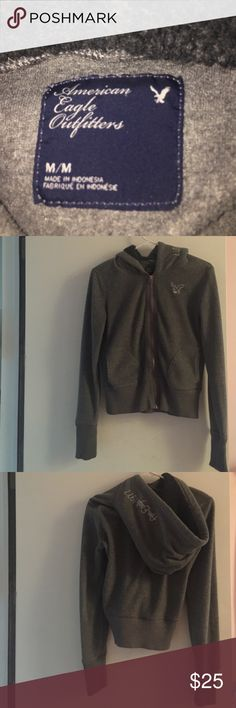 American eagle sweatshirt AMERICAN EAGLE OUTFITTERS WOMEN'S  HOODIE/SWEATER - SIZE M HEAVY DUTY ZIPPER DOWN FRONT. 2 POCKETS. 📦Bundles welcome 😎 👌🏻Offers welcome through offer button ❌No trades please🚫 📬Same/Next day shipping🎫 American Eagle Outfitters Jackets & Coats