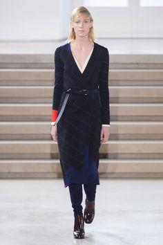 Jil Sander Fall 2015 Ready-to-Wear Collection  - ELLE.com