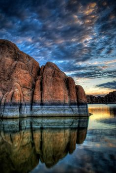 Boulder in Watson Lake at sunrise, in Prescott, Arizona, USA