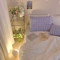 Dream Rooms, Dream Bedroom, Room Ideas Bedroom, Bedroom Decor, Bedroom Inspo, Pastel Room, Pastel Purple, Pink Yellow, Minimalist Room
