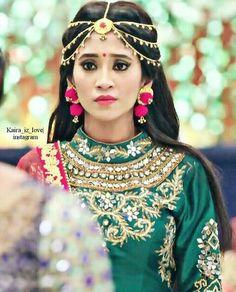 shivangi joshi Indian Wedding Jewelry, Indian Bridal, Pakistan Wedding, Coats For Women, Clothes For Women, Indian Designer Wear, Jewelry Patterns, Bridal Looks, Traditional Dresses