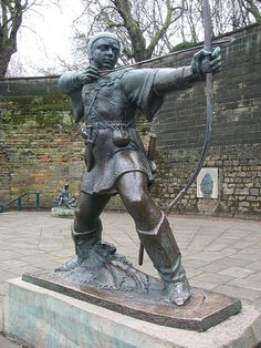 Robin Hood Statue, Nottingham by James Woodford of Nottingham. Modern Sculpture, Abstract Sculpture, Bronze Sculpture, Wood Sculpture, Metal Sculptures, High Middle Ages, Cemetery Art, Green Man, Animal Sculptures