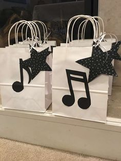 New Music Theme Birthday Rock Stars Ideas Rockstar Party, Rockstar Birthday, Music Theme Birthday, Music Themed Parties, Karaoke Party, Music Party Decorations, Birthday Party Decorations, Birthday Ideas, Party Rock
