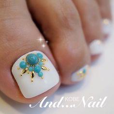 White Toe Nail Art