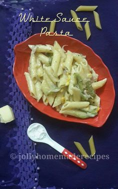 This is perfectly cooked Penne pasta with cheesy flavored white sauce come across as a heavenly match. It easy to whip up and filling for the morning & evening dose. Sugar Free Recipes, New Recipes, Vegetarian Recipes, Penne Pasta, White Sauce Recipes, White Sauce Pasta, Cooking Herbs, Cold Pasta, Food Staples