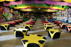 Multi coloured alternating stretch lycra table cloths and overlays Black Chair Covers, Rio Party, Colored Vases, Table Overlays, Party Table Decorations, Black Table, Event Decor, Corporate Events, Mardi Gras