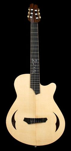 CROW HILL La Rubia | Nylon-string, Electric, Hollowbody Classical Guitar