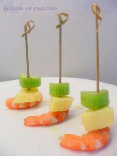 #Gamberi, #sedano e #mela. Un finger food di effetto.